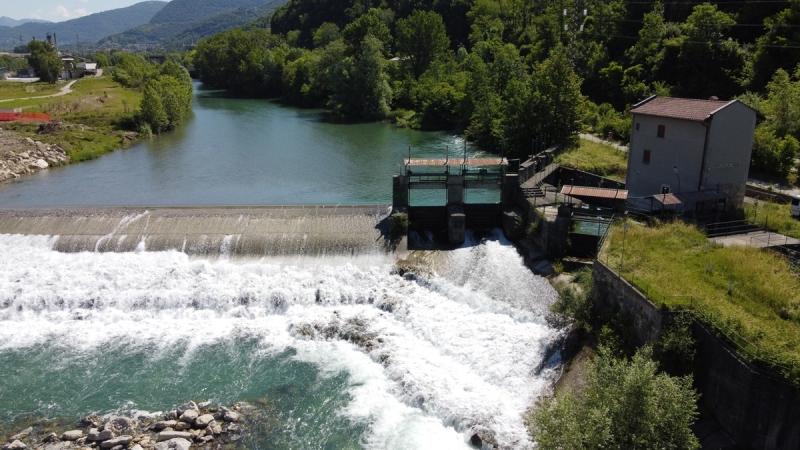 Sistema di regolazione opera di presa su fiume